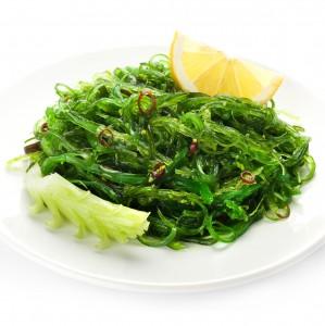 Салат из морских водорослей Чука  в соусе 0,5кг.