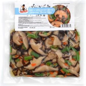 Салат из грибов шиитаке и ростков папоротника